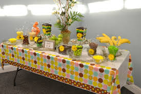 jungle themed baby shower jungle themed baby shower ideas table decorations baby shower