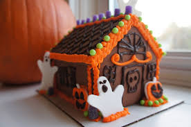 Halloween Haunted House Cake Easy Halloween Gingerbread House Kit Whatcha Eating 111 Youtube