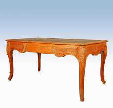grand bureau en bois grand bureau plat de style régence en bois naturel sculpté