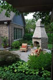 Outdoor Chimney Fireplace by 133 Best Fireplaces Images On Pinterest Outdoor Fireplaces