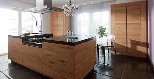 küche massivholz moderne landhausküche massivholzküche exklusives design