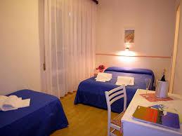 Schlafzimmer Einrichten Wie Im Hotel Hotel Tahiti Bibione Frühstück Pension 2 Sterne