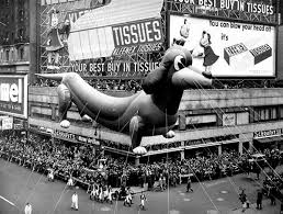 views macy s thanksgiving day parade balloons through th