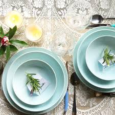 live creating a simple table setting