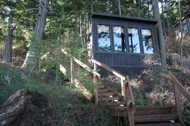 tiny cabin a tiny cabin with a tiny studio on tiny guemes island curbed seattle