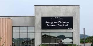 chambre de commerce pau guerre des aéroports dans les pyrénées pau s attaque à tarbes