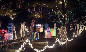yogi bear christmas lights jellystone park in wisconsin features christmas light show yogi