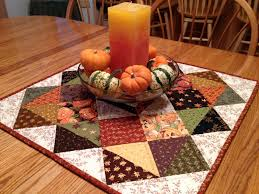 halloween table runner pattern best 25 table toppers ideas on pinterest quilted table toppers