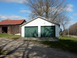 Garages That Look Like Barns by Ode To An Old Farmhouse Needed Lots Of Moolah And One Patient