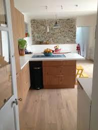 parquet pour cuisine leroy merlin ambiance scandinave pour cette cuisine nantaise bois et blanc