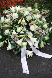 sympathy flowers delivery choosing sympathy flower delivery in perth sympathy flowers bouquet