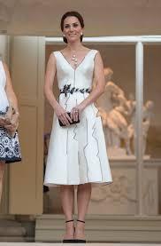 kate middleton dresses buzzy brands daring dresses is kate middleton finally starting