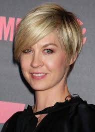 short hairstylescuts for fine hair with back and front view short hairstyles pictures of short hairstyles for thin hair cute