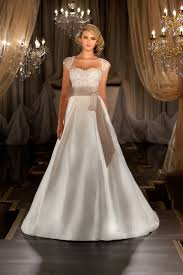wedding dress style how to choose the wedding dress based on your type