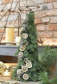 Decorate Christmas Tree Naturally by 16 Best Natural Christmas Tree Decorations Images On Pinterest