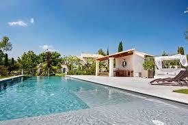 Un Mas En Provence Villas In Provence Holiday Villas In France By Luxury Retreats
