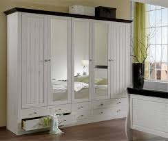 armoire chambre a coucher modeles armoires chambres coucher affordable armoire penderie sur