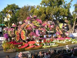 cbs thanksgiving day parade 94 best holiday parades images on pinterest parade floats rose