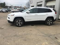 jeep cherokee white with black rims trailhawk rims on latitude tire question 2014 jeep cherokee
