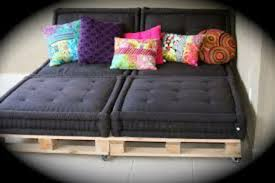 grands coussins pour canapé le canap en palette nos nouvelles id es de r cup coussin pour