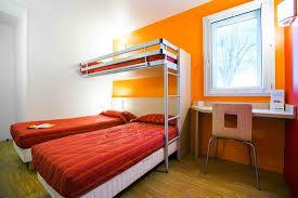 lit de chambre chambres 3 lits separes photo de premiere classe angers sud