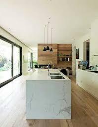 cuisine avec déco cuisine avec îlot central en marbre et parquet teck
