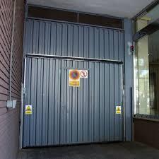 puertas de cocheras automaticas reparaci祿n de puertas autom磧ticas de garaje en madrid