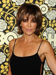 insruction on how to cut lisa rinna hair sytle lisa rinna debuted a new hairstyle on watch what happens live