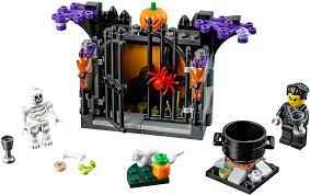 halloween legos seasonal 2017 brickset lego set guide and database