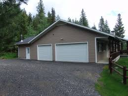 Covered Garage by Cascade Lake Realty 350k To 500k