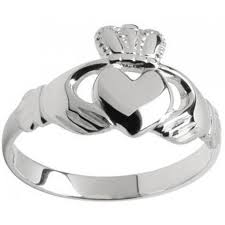claddagh ring meaning 10k 14k 18k white gold claddagh ring