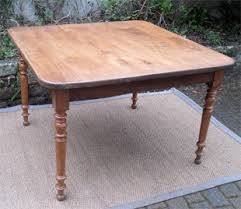 table de cuisine ancienne en bois authentique table ancienne carrée plateau chêne et pieds merisier