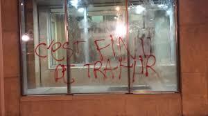 siege cfdt loi travail manifestation sauvage le siège de la cfdt vandalisé
