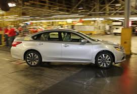nissan altima 2015 ls car pro nissan kicks off 2016 altima production in tennessee car pro