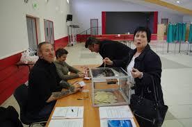 tenir un bureau de vote qui peut tenir un bureau de vote 19 images comme dans un