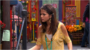 steal alex russo 39 s cute and quirky bedroom from 39 wizards tv