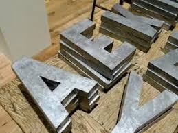 lettre deco cuisine idée déco lettres géantes en zinc par benita