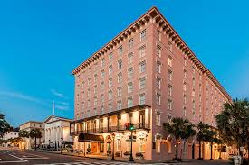 historic downtown charleston hotel the mills house wyndham grand