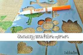 diy no sew burlap pillow stenciled with fabric markers debbiedoos