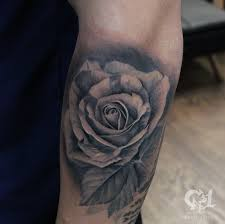 cap1 tattoos tattoos capone photorealistic rose tattoo