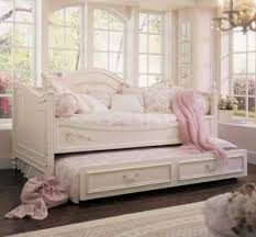 make your sleep time to be more comfortable with gorgeous daybed