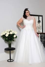 wedding dress for curvy wedding dresses for curvy figures wedding corners
