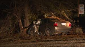 55 year old fayetteville man dies after car crashes into tree