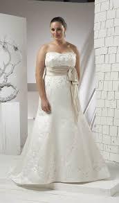 robe de mari e femme ronde robe de mariée pour femme ronde goldy mariage