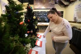 edison museum exhibit illuminates history of christmas lights