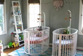 chambre de jumeaux deco pour chambre bebe jumeaux visuel 4