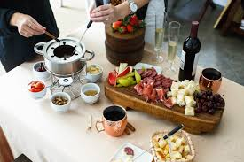 and why to host a fondue party