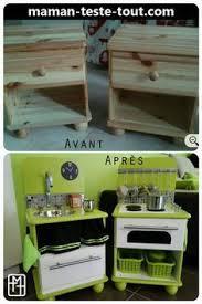 cuisine pour deux diy fabriquer une cuisine pour enfant avec deux tables de chevet