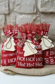Shabby Chic Gift Bags by Set Of 2 Christmas Burlap Gift Bags Wine Gift Bag Wine Bag