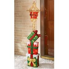 Christmas Decorations For Outdoor Lamp Post by 194 Best Christmas Images On Pinterest Figurine Christmas Ideas